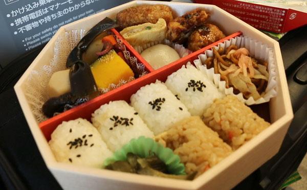 Osaka Ekiben (shinkansen bento lunchbox)